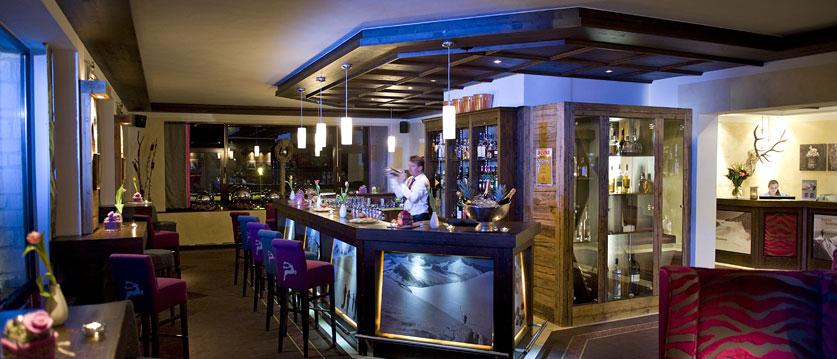 Austria_Obertauern_Hotel-Kohlmayr-Royal_bar.jpg